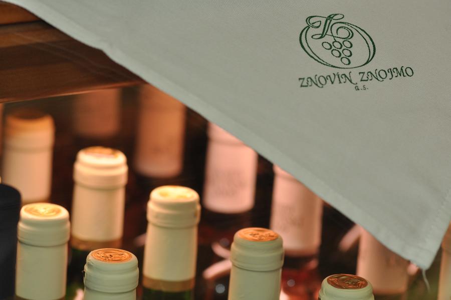 Degustovat budete vína od vinařství Znovín Znojmo, a.s.